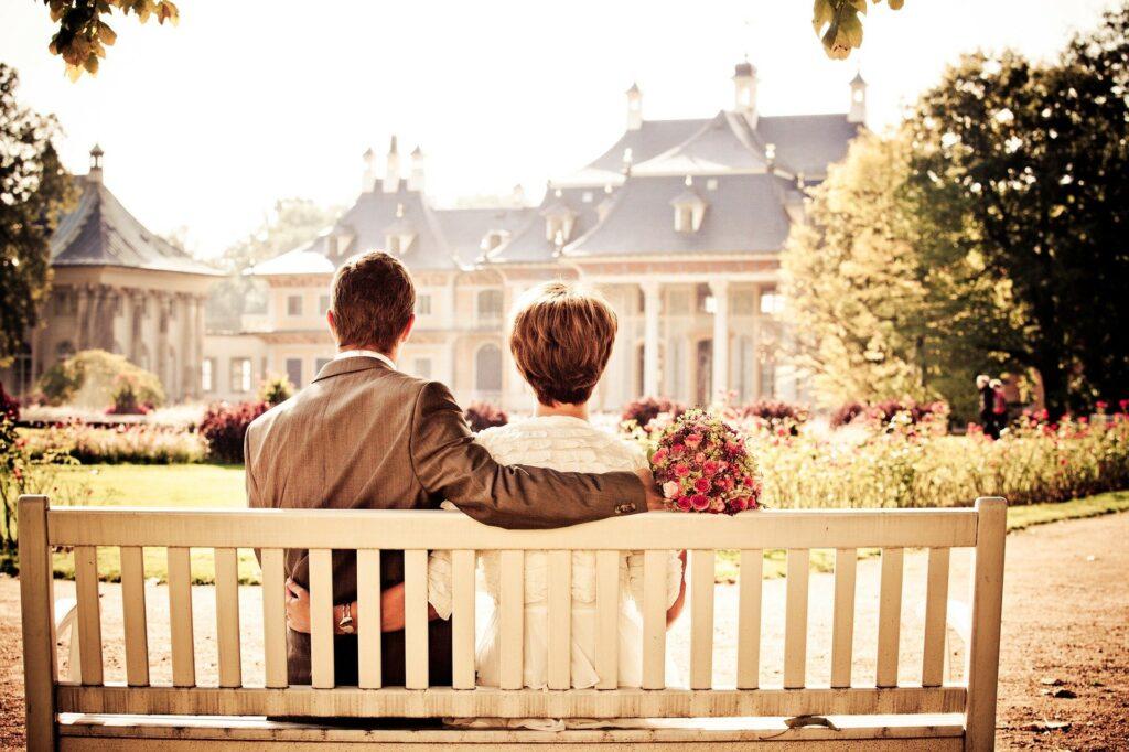 """""""Delegovali jsme péči o domácnost a je nám takto skvěle.""""  Fotka od Olessya z Pixabay."""